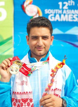 Chain Singh displays gold medals