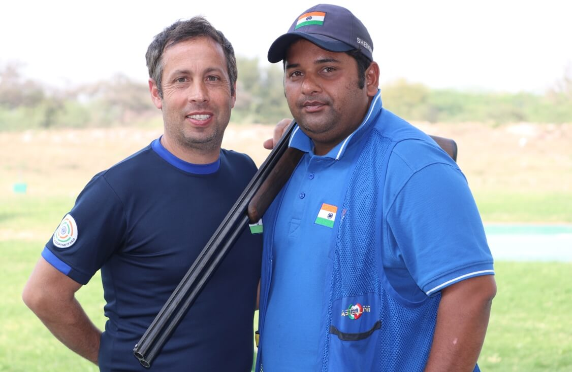 Ennio Falco (left) with Sheeraz Sheikh after the finals of Men's Skeet at ISSF World Cup - New Delhi. Photo - indianshooting.com