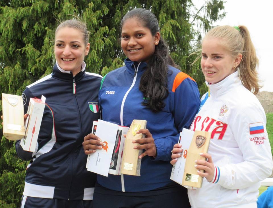 From left: Erica Sessa (Italy), Kirti Gupta, Nataliya Chistova (Russia)